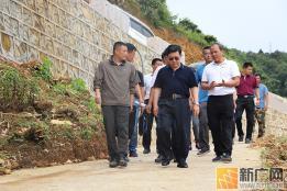 云南省政协秘书长刘建华到三猛乡调研