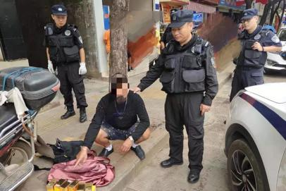 弥勒男子盗窃药品民警当街抓获
