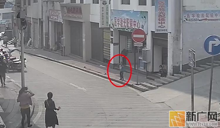 云南金平:冒失母亲弄丢孩子 警方3小时寻回