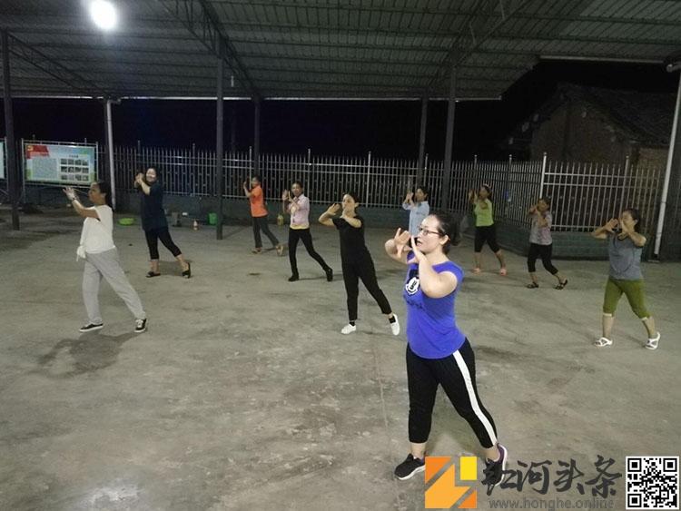 开远市妇联驻村开展文化宣传助力