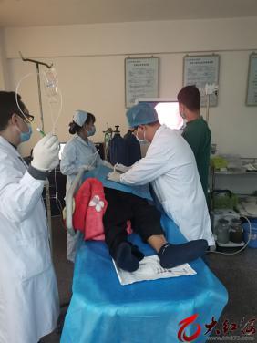 红河州第三人民医院为一位肺癌患者完成州内首例经皮内镜胃造口术