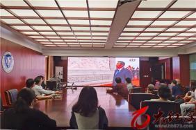 红河州第三人民医院组织观看党和国家领导人在烈士纪念日敬献花篮直播